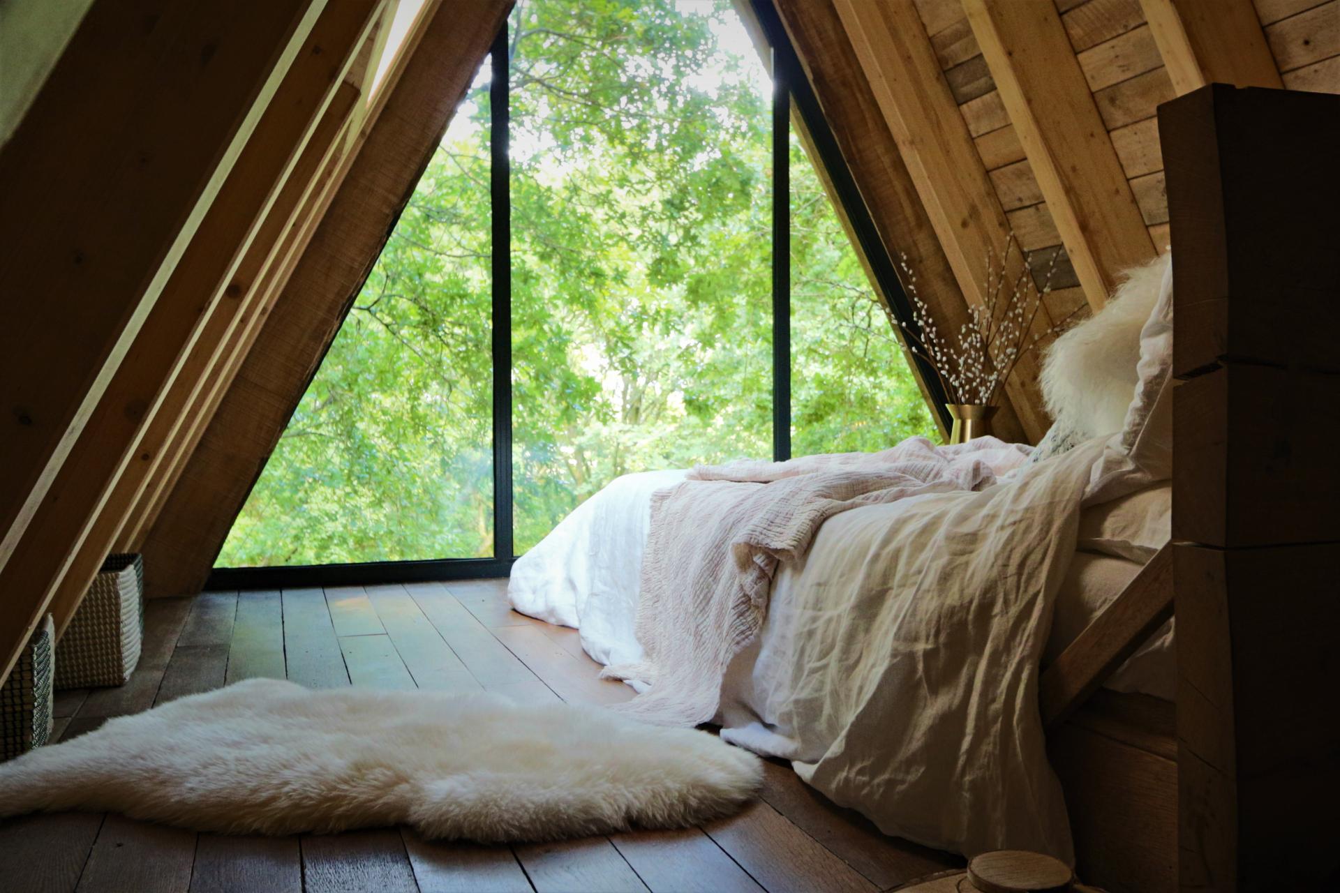 Sleep in the Treetops - Luxury Treehouse Breaks in the UK